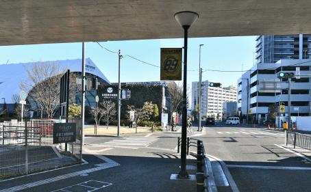 ぐりりスポーツパーク前の交差点(B)